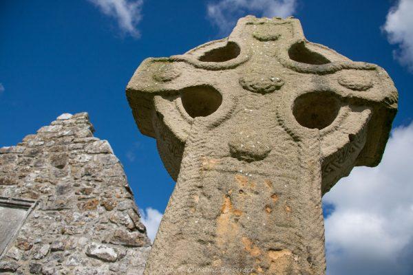 Irland, Clonmacnoise, Hochkreuz (Foto: Christine Emberger, ARR Reisen)