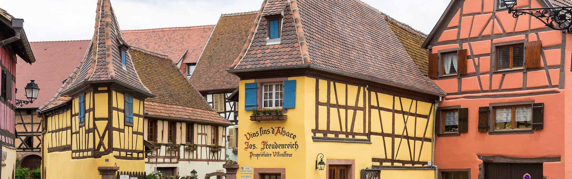Frankreich, Elsass, Eguisheim, Fachwerkhäuser (Foto: Robert Mrkvicka)
