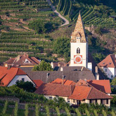 Wachau, Spitz, Kirchturm (Foto: Rainer Skrovny, ARR Reisen)