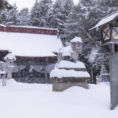 JAPAN / Hokkaido / Abashiri / Abashiri shrine in winter