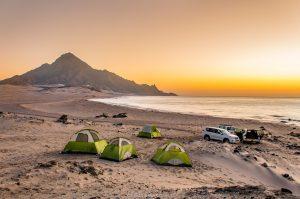 Oman, Camping am Strand (Foto: Rainer Skrovny, ARR Reisen)