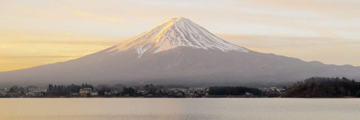 JAPAN / Honshu / Fujikawaguchiko / Fuji Five Lakes area / Lake Kawaguchi / Fuji at sunrise